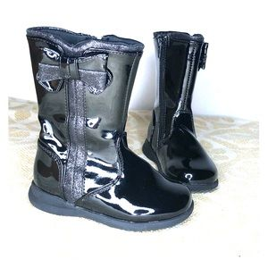 🌞Rachel boots in patent leather. NWOT
